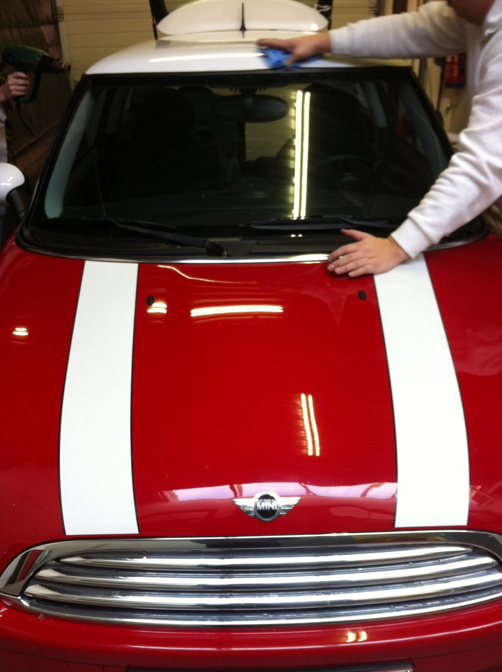 Mini Dak Zwart Gewrapt, Carwrapping door Wrapmyride.nu Foto-nr:6422, ©2020