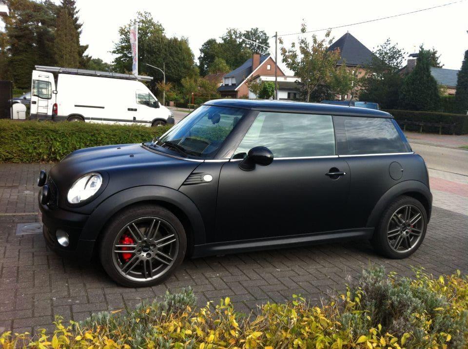 Mini met een Dull Black Wrap, Carwrapping door Wrapmyride.nu Foto-nr:6418, ©2021