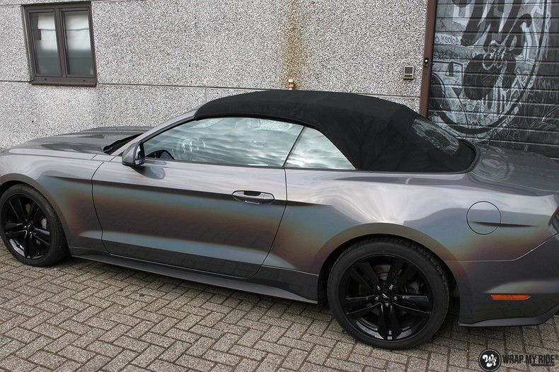 Mustang 2017 3M gloss flip psychedelic, Carwrapping door Wrapmyride.nu Foto-nr:11463, ©2018