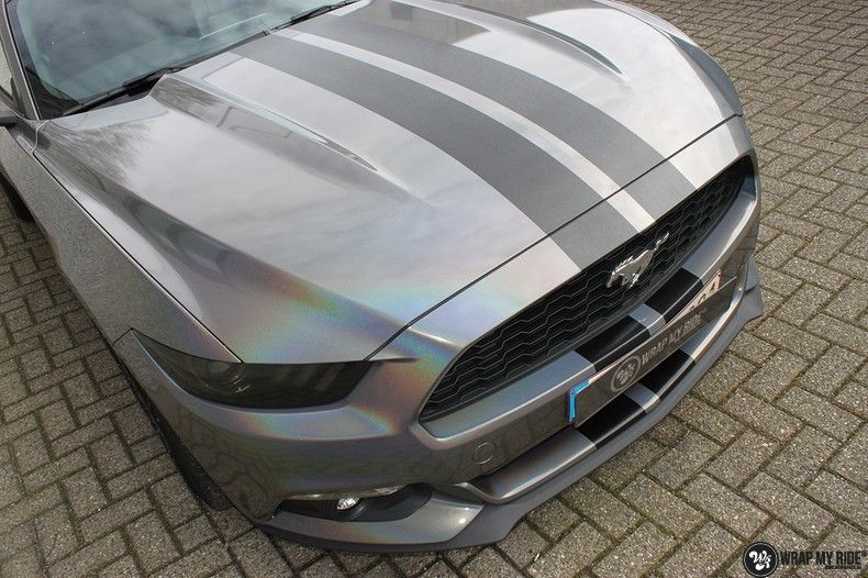 Mustang 2017 3M gloss flip psychedelic, Carwrapping door Wrapmyride.nu Foto-nr:11471, ©2018