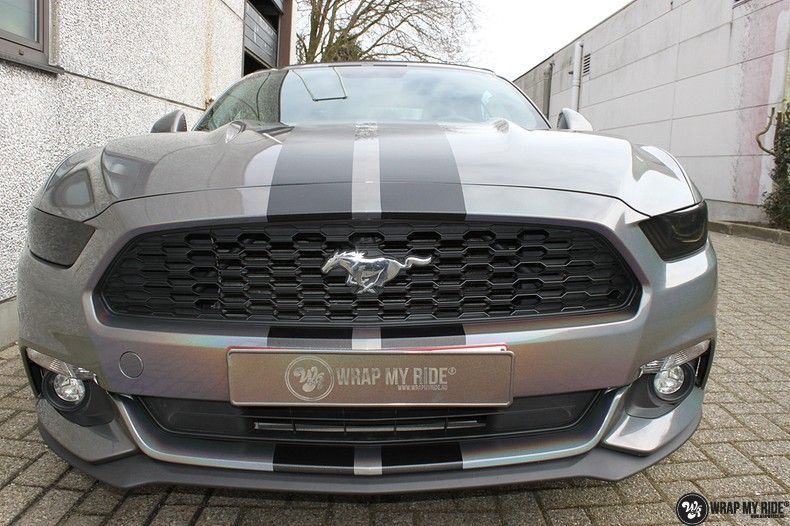 Mustang 2017 3M gloss flip psychedelic, Carwrapping door Wrapmyride.nu Foto-nr:11473, ©2018
