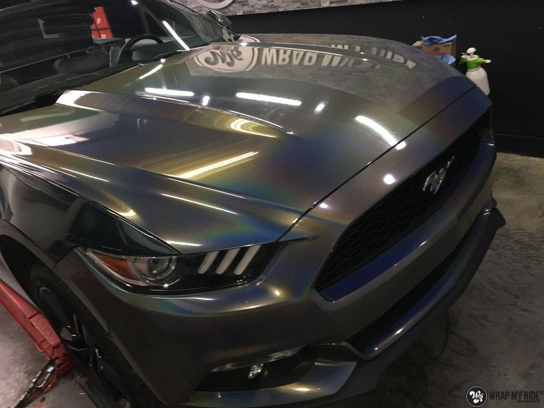 Mustang 2017 3M gloss flip psychedelic, Carwrapping door Wrapmyride.nu Foto-nr:11483, ©2018