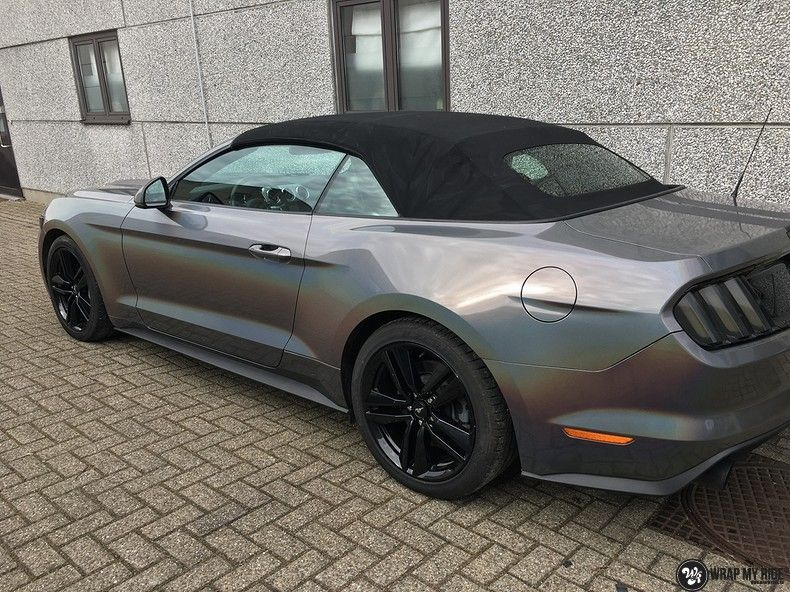 Mustang 2017 3M gloss flip psychedelic, Carwrapping door Wrapmyride.nu Foto-nr:11489, ©2018