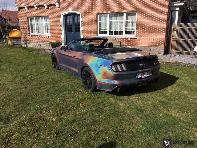 Mustang 2017 3M gloss flip psychedelic, Carwrapping door Wrapmyride.nu Foto-nr:11455, ©2018