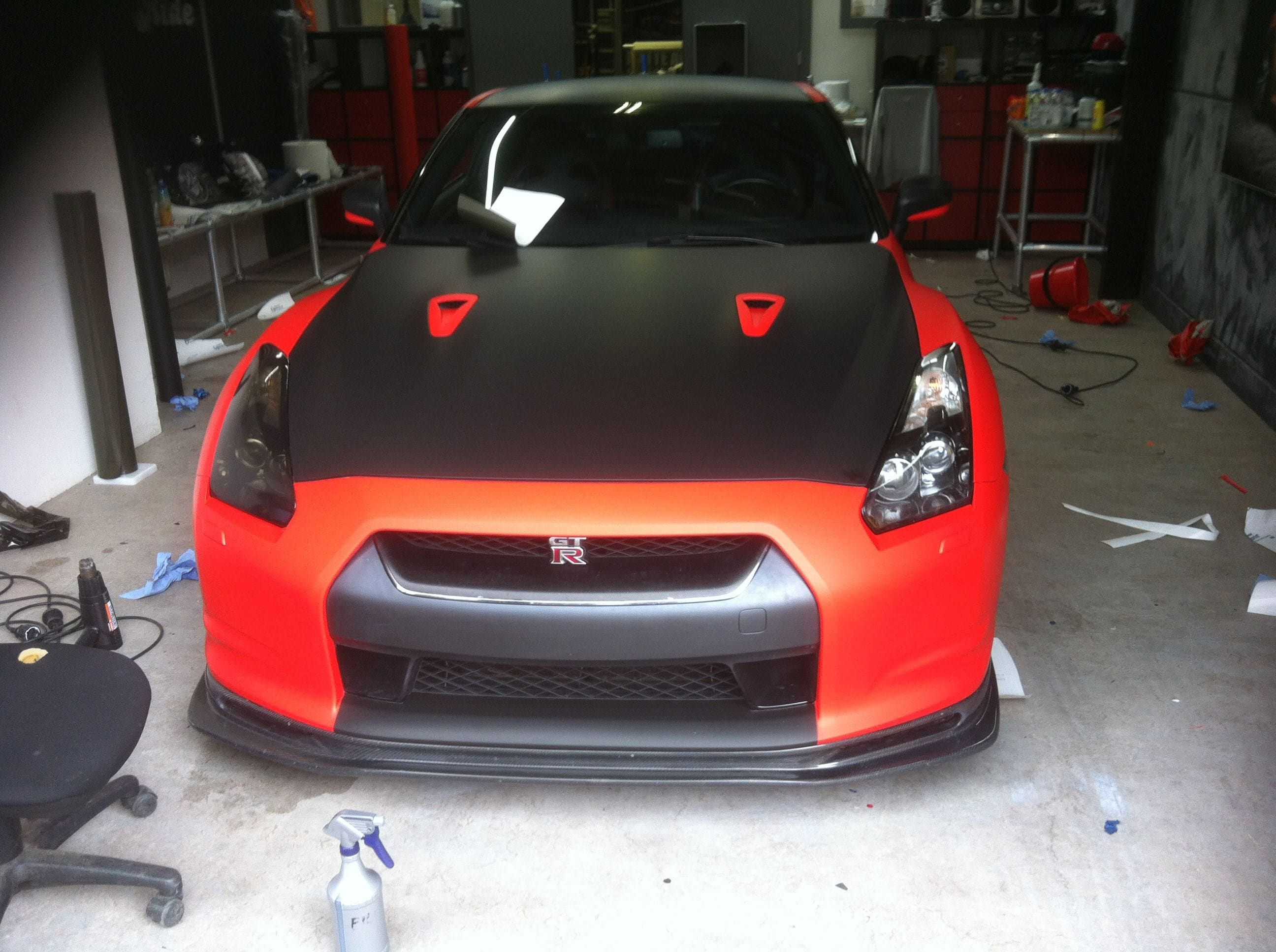 Nissan GT-R in Hotrod Rode Wrap, Carwrapping door Wrapmyride.nu Foto-nr:6495, ©2021