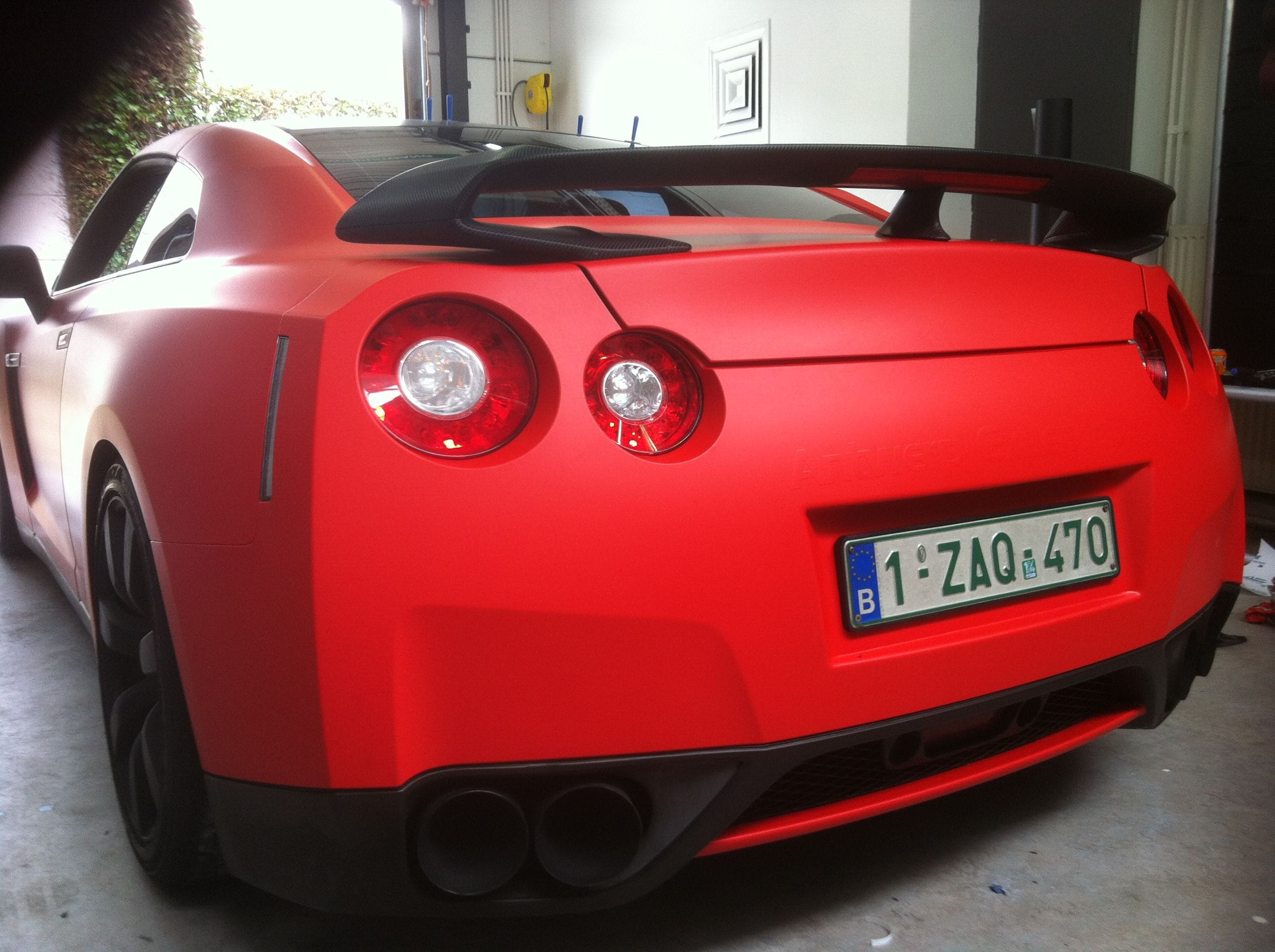 Nissan GT-R in Hotrod Rode Wrap, Carwrapping door Wrapmyride.nu Foto-nr:6497, ©2020