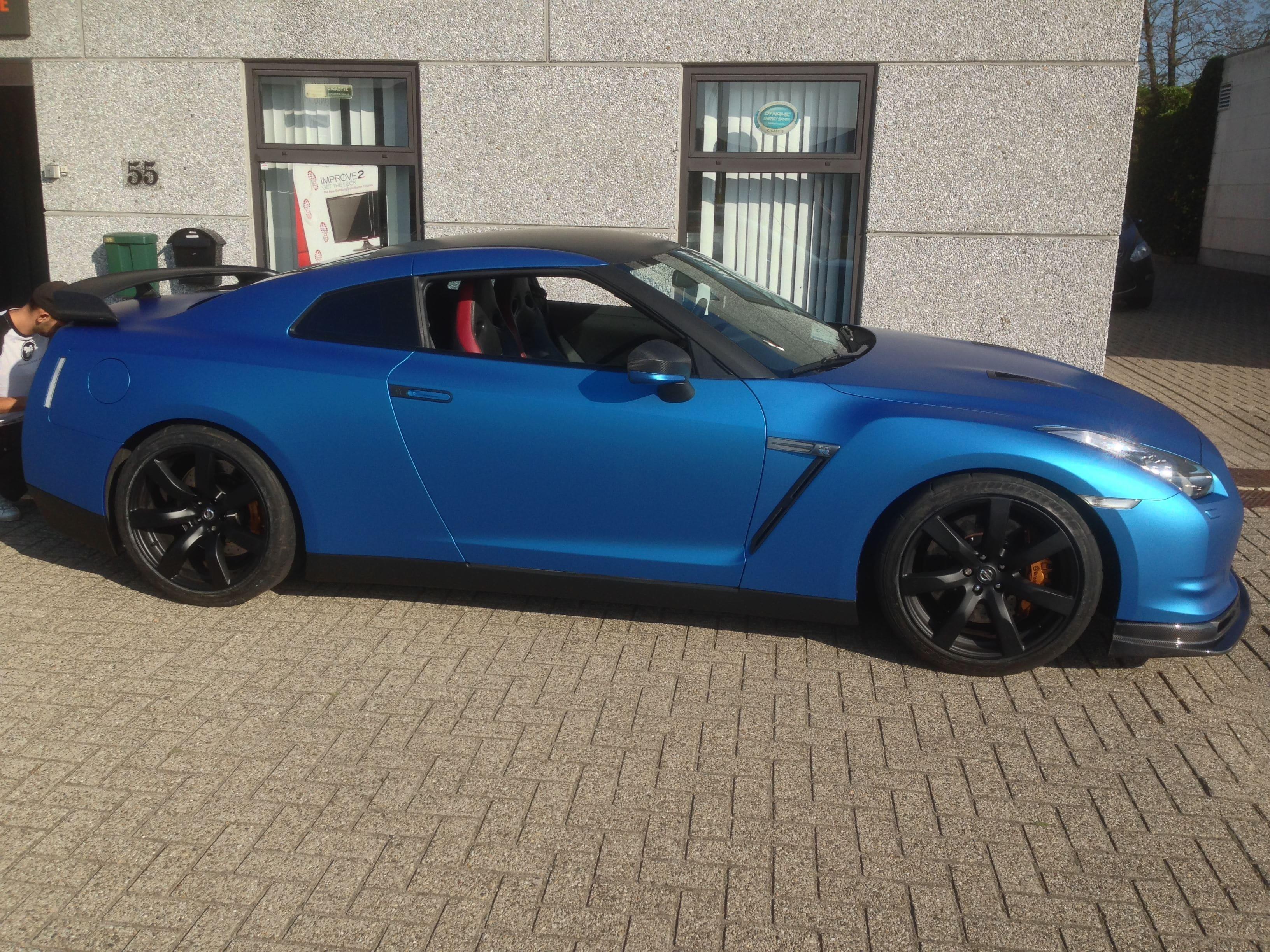 Nissan GT-R in Mat Blauwe Wrap, Carwrapping door Wrapmyride.nu Foto-nr:6535, ©2020