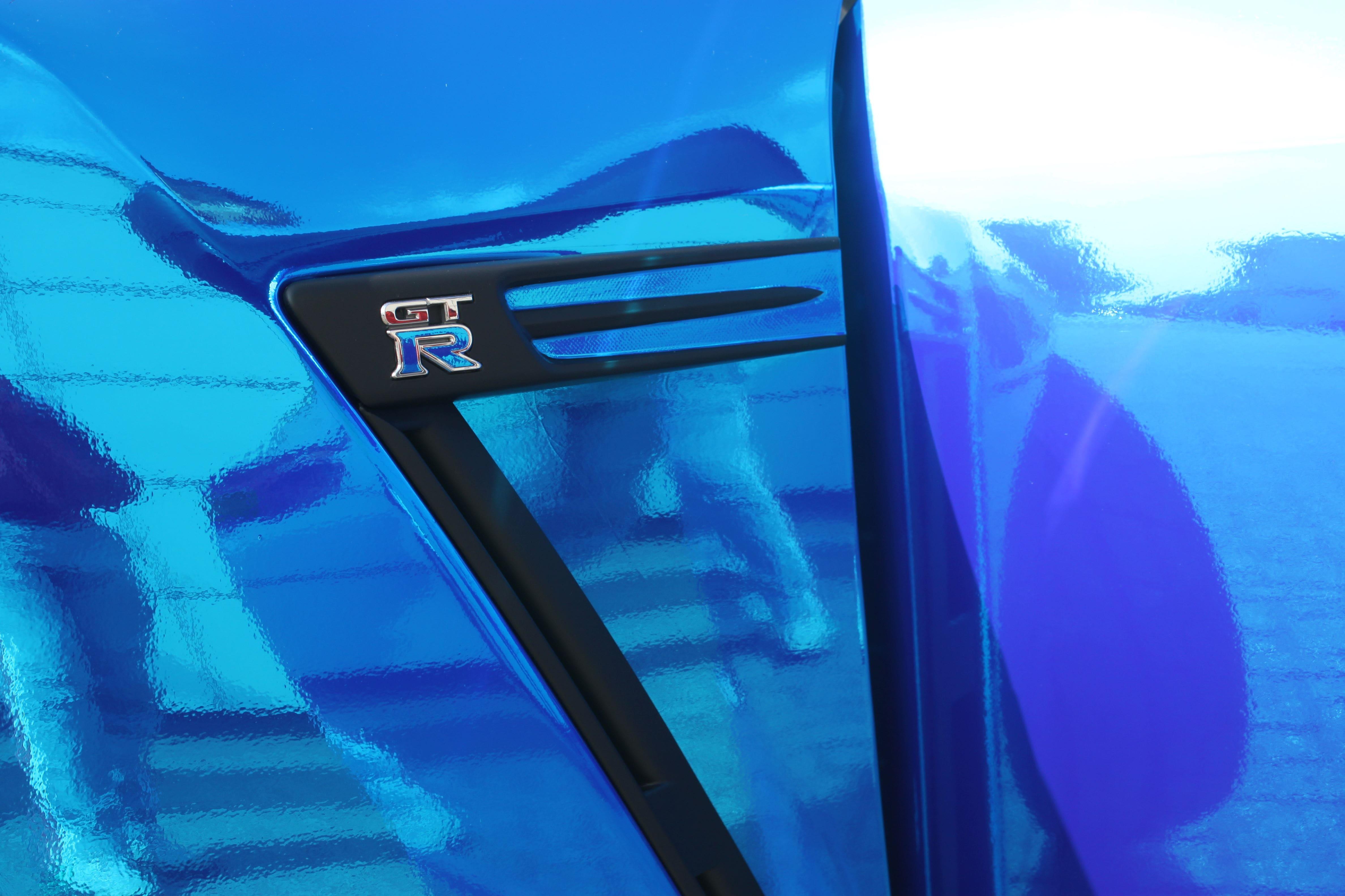 Nissan GT-R met Blue Chrome Wrap, Carwrapping door Wrapmyride.nu Foto-nr:6483, ©2021
