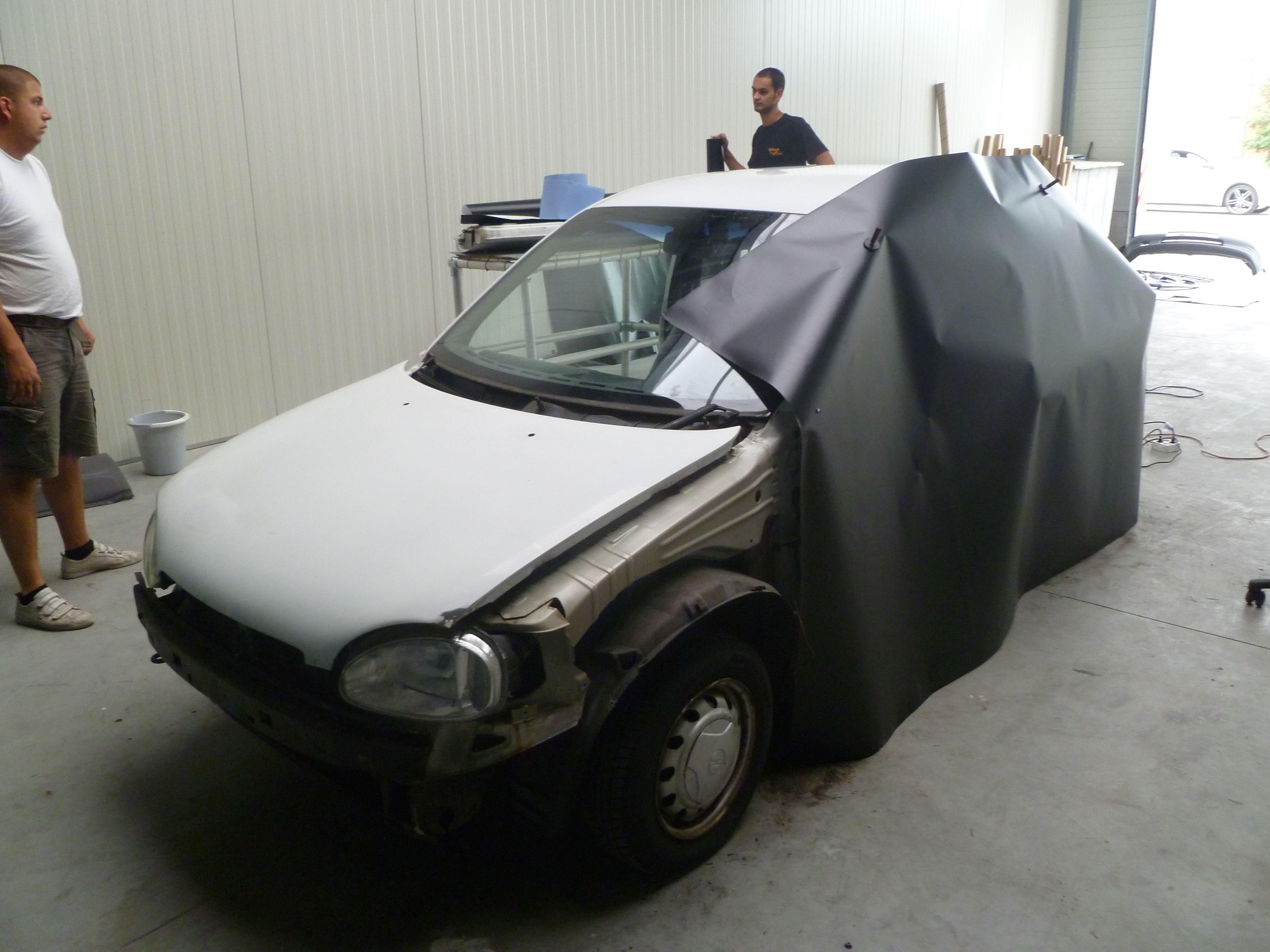 Opel Corsa B met Zwart Paarse Striping, Carwrapping door Wrapmyride.nu Foto-nr:6618, ©2020