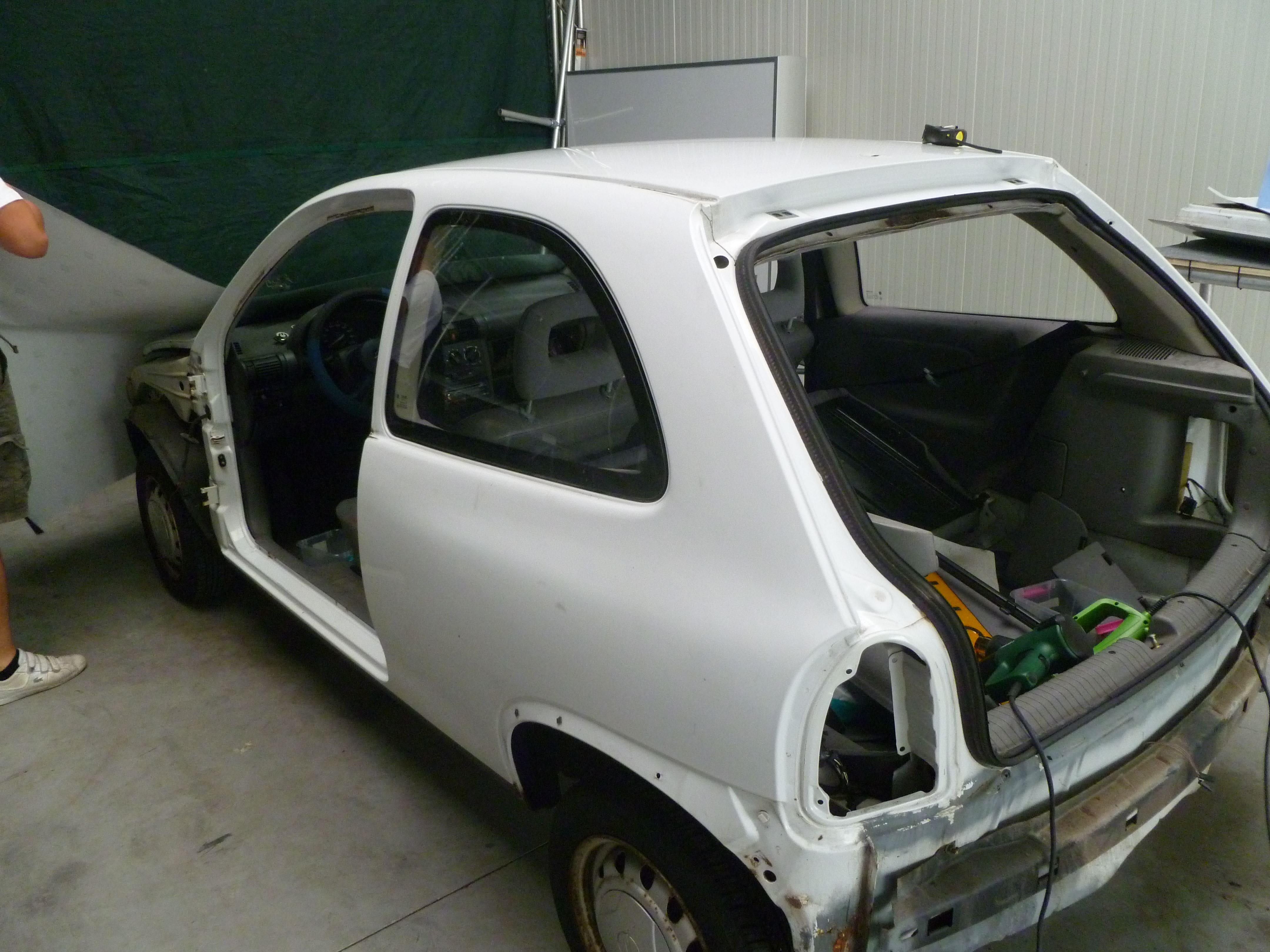 Opel Corsa B met Zwart Paarse Striping, Carwrapping door Wrapmyride.nu Foto-nr:6620, ©2021
