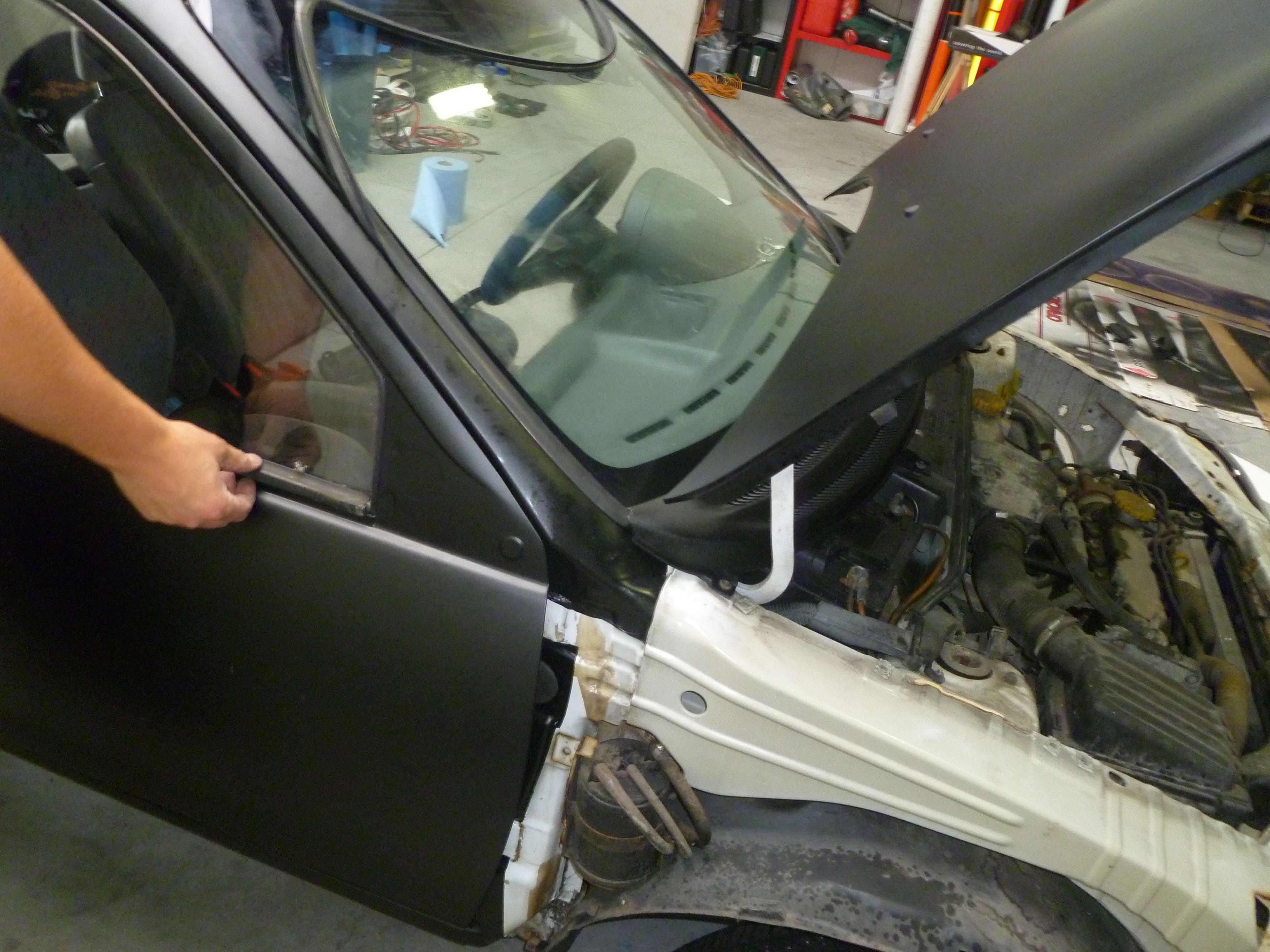Opel Corsa B met Zwart Paarse Striping, Carwrapping door Wrapmyride.nu Foto-nr:6628, ©2021