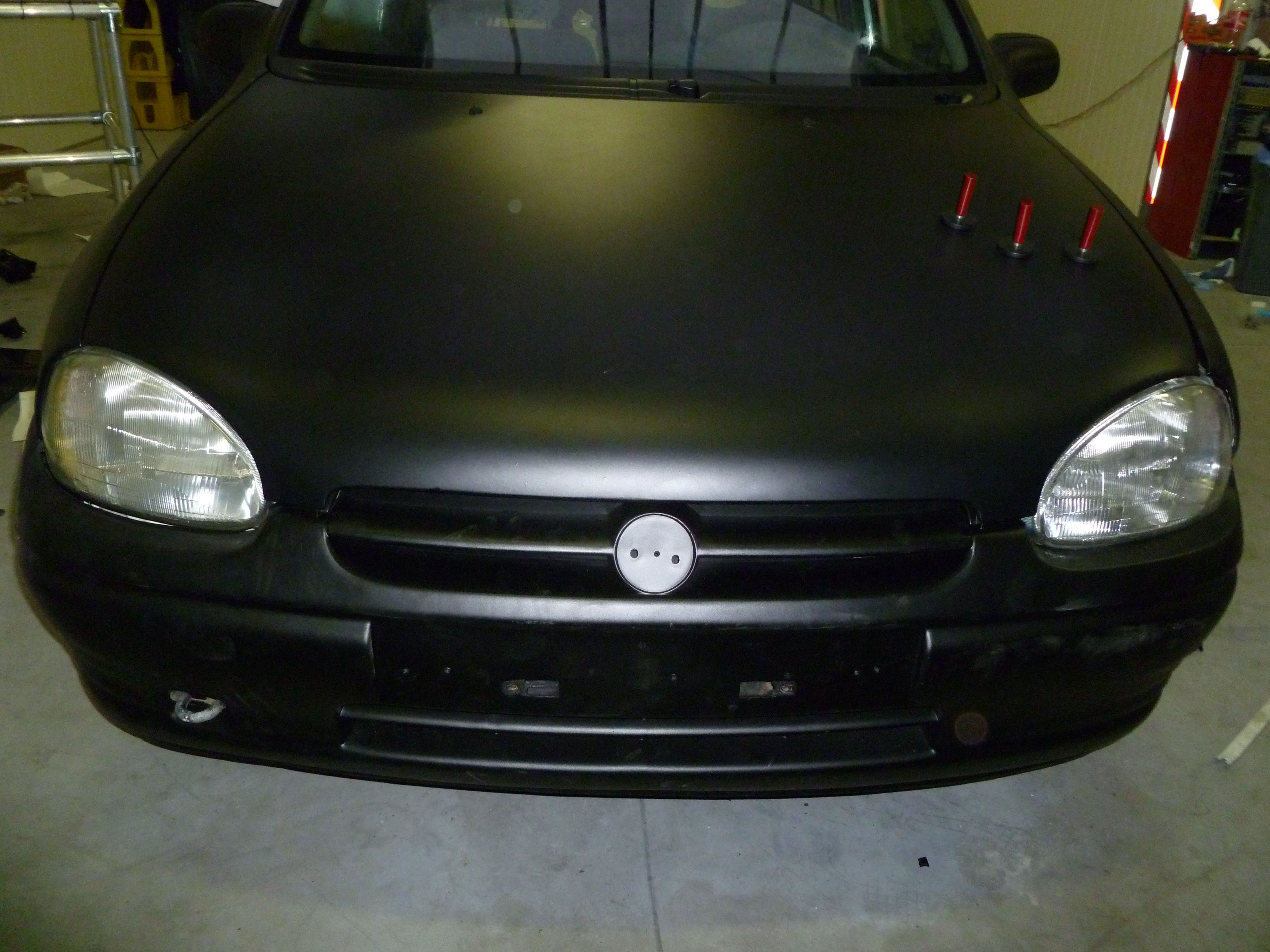 Opel Corsa B met Zwart Paarse Striping, Carwrapping door Wrapmyride.nu Foto-nr:6636, ©2021