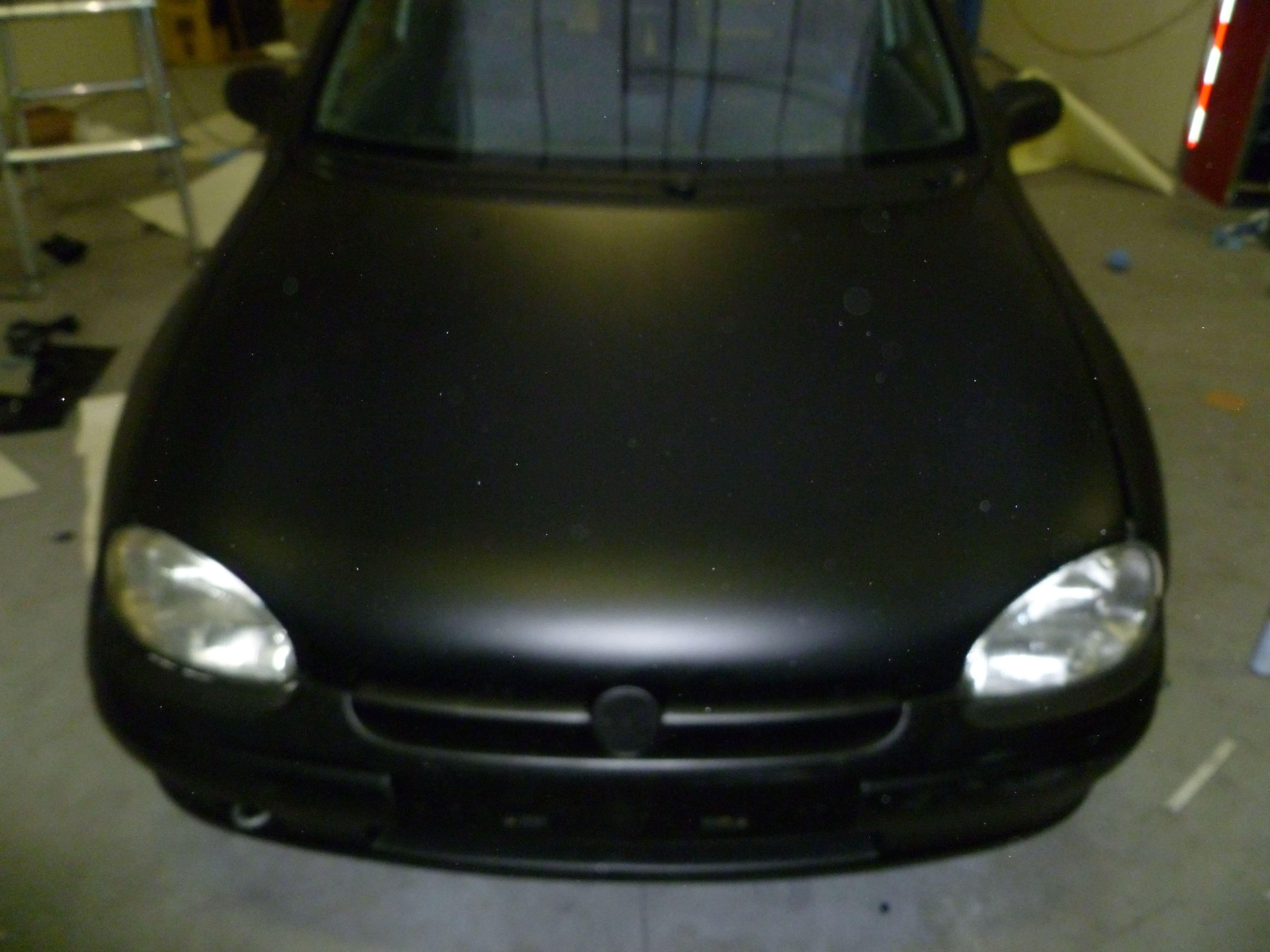 Opel Corsa B met Zwart Paarse Striping, Carwrapping door Wrapmyride.nu Foto-nr:6637, ©2020