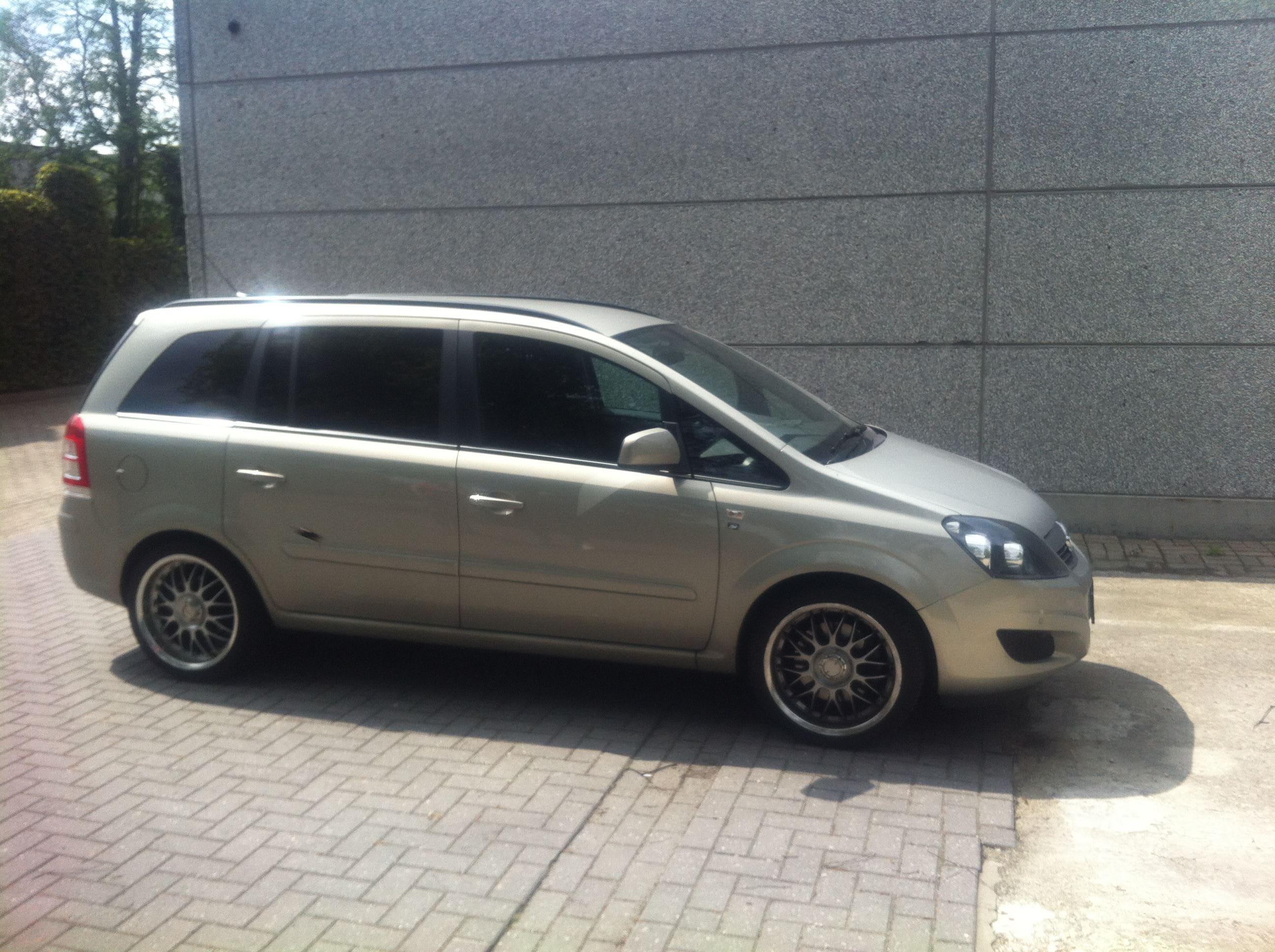 Opel Zafira met Two-Tone Wrap, Carwrapping door Wrapmyride.nu Foto-nr:6662, ©2021