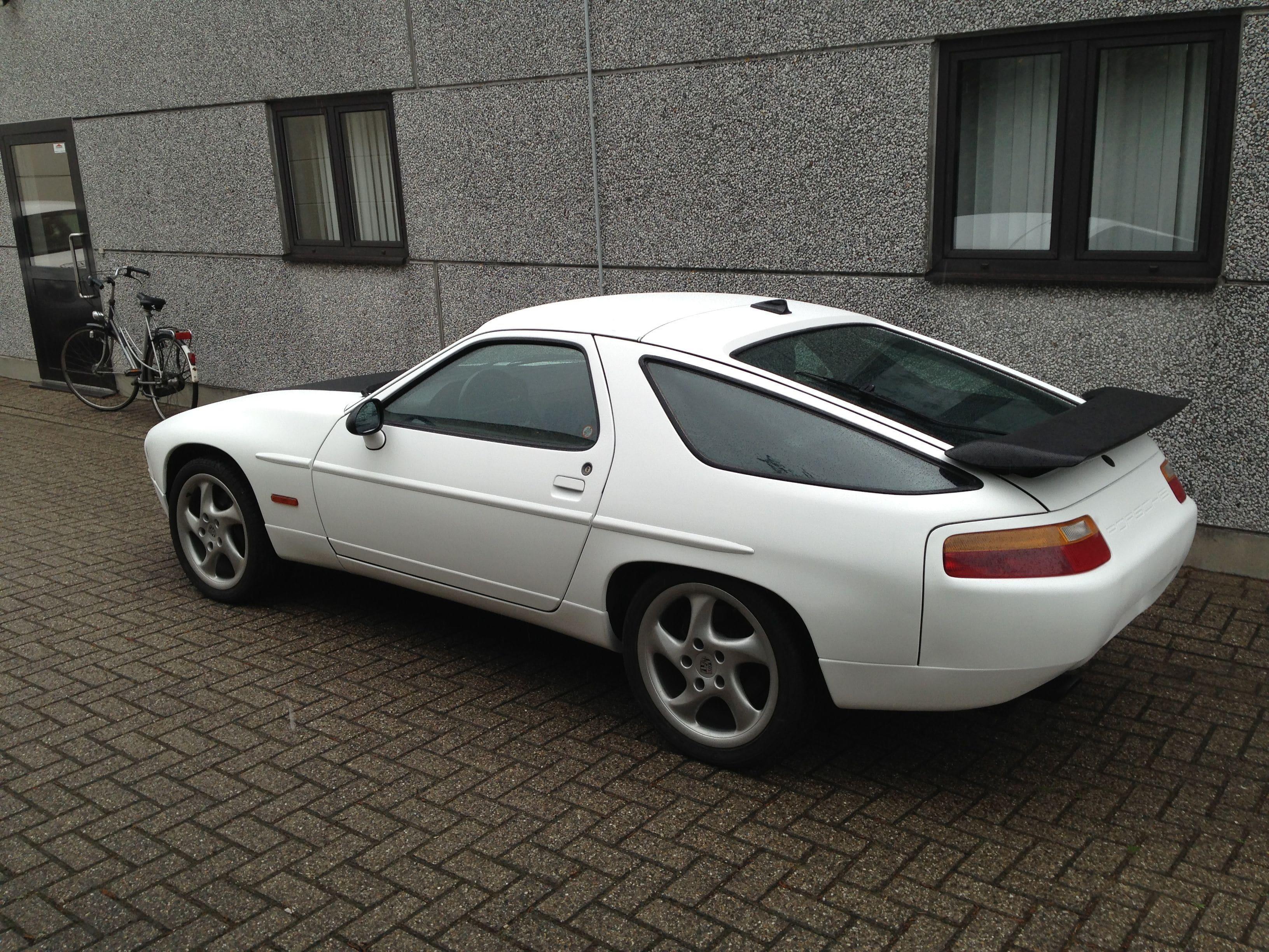 Porsche 926 met Mat Witte en Carbon Wrap, Carwrapping door Wrapmyride.nu Foto-nr:6696, ©2021