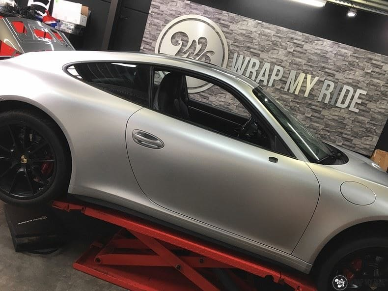 Porsche 997 Satin White Aluminium, Carwrapping door Wrapmyride.nu Foto-nr:9675, ©2018