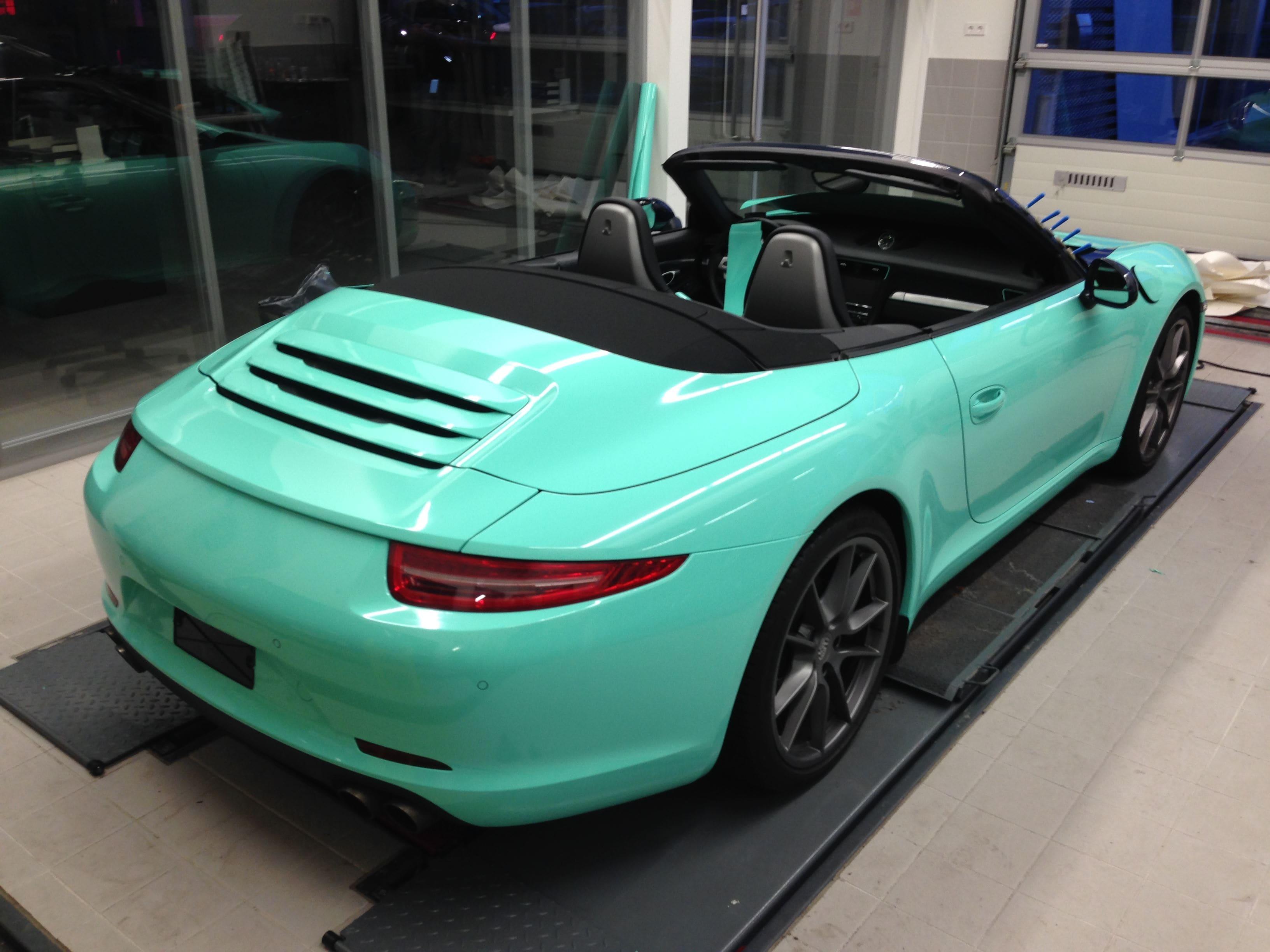 Porsche Carrera Turbo S Cabrio met Mint Green Wrap, Carwrapping door Wrapmyride.nu Foto-nr:6734, ©2021