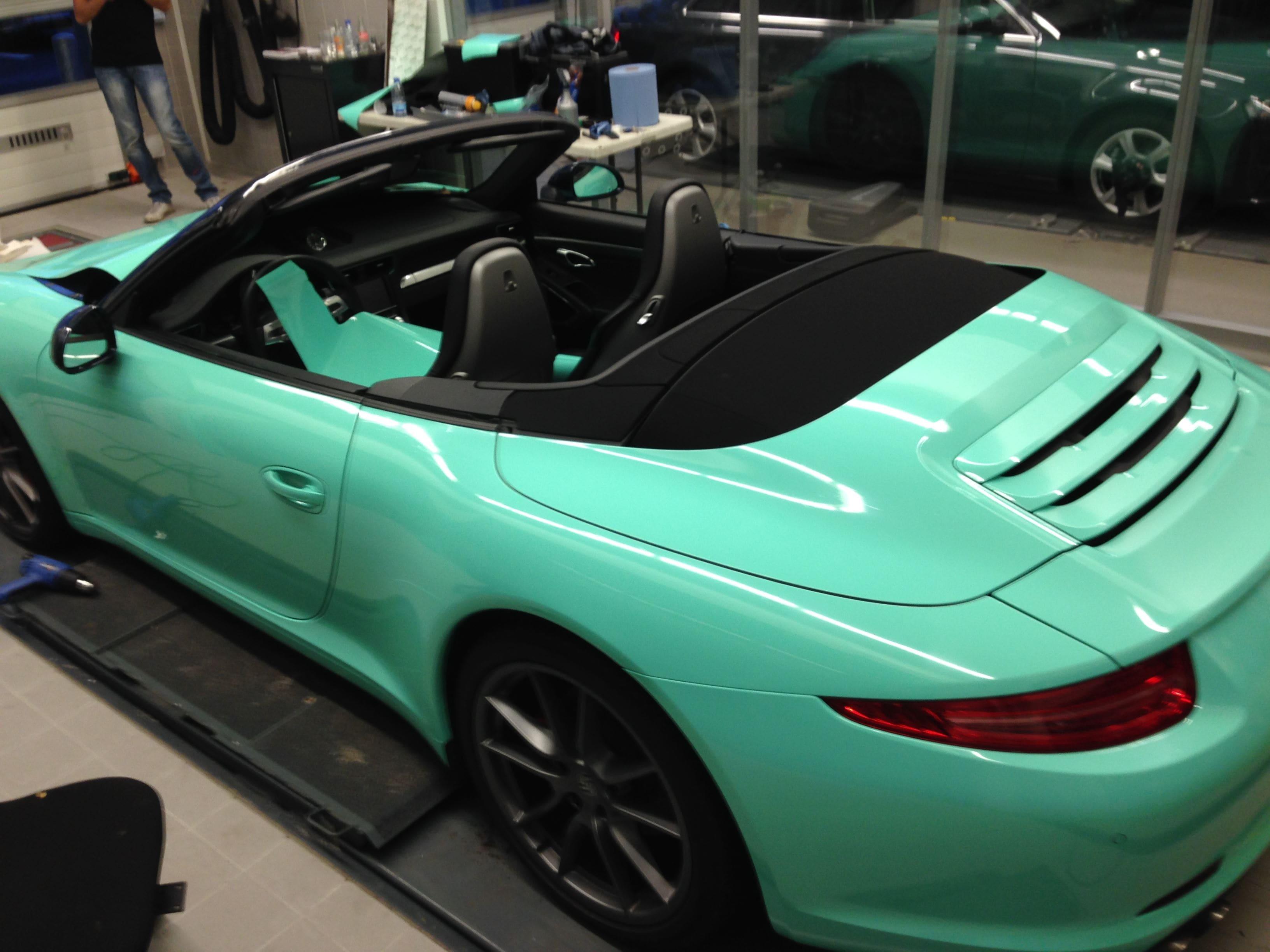 Porsche Carrera Turbo S Cabrio met Mint Green Wrap, Carwrapping door Wrapmyride.nu Foto-nr:6735, ©2021