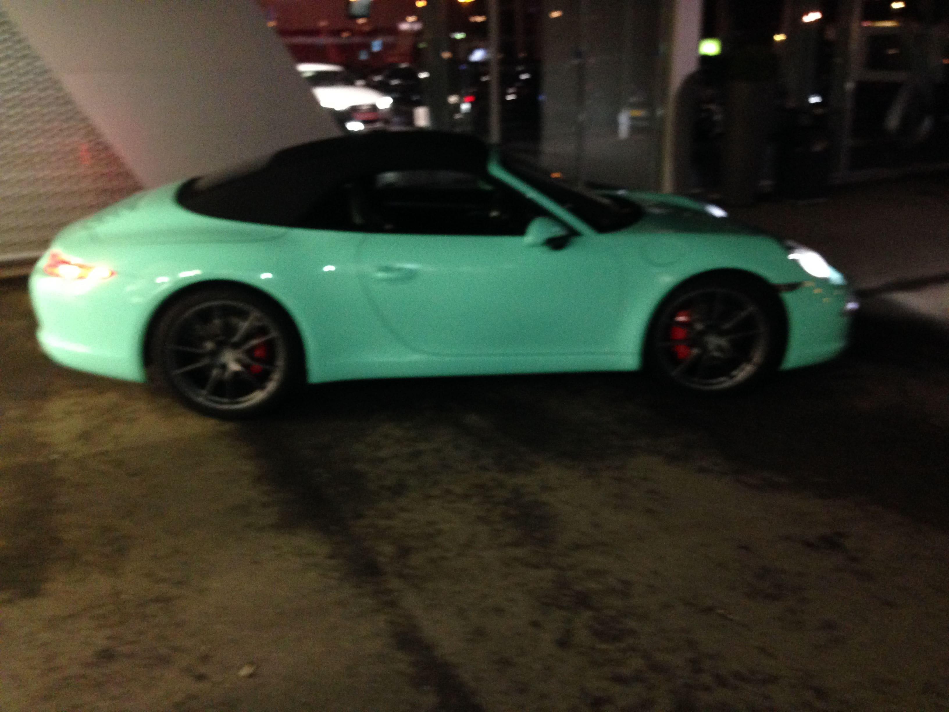Porsche Carrera Turbo S Cabrio met Mint Green Wrap, Carwrapping door Wrapmyride.nu Foto-nr:6743, ©2020