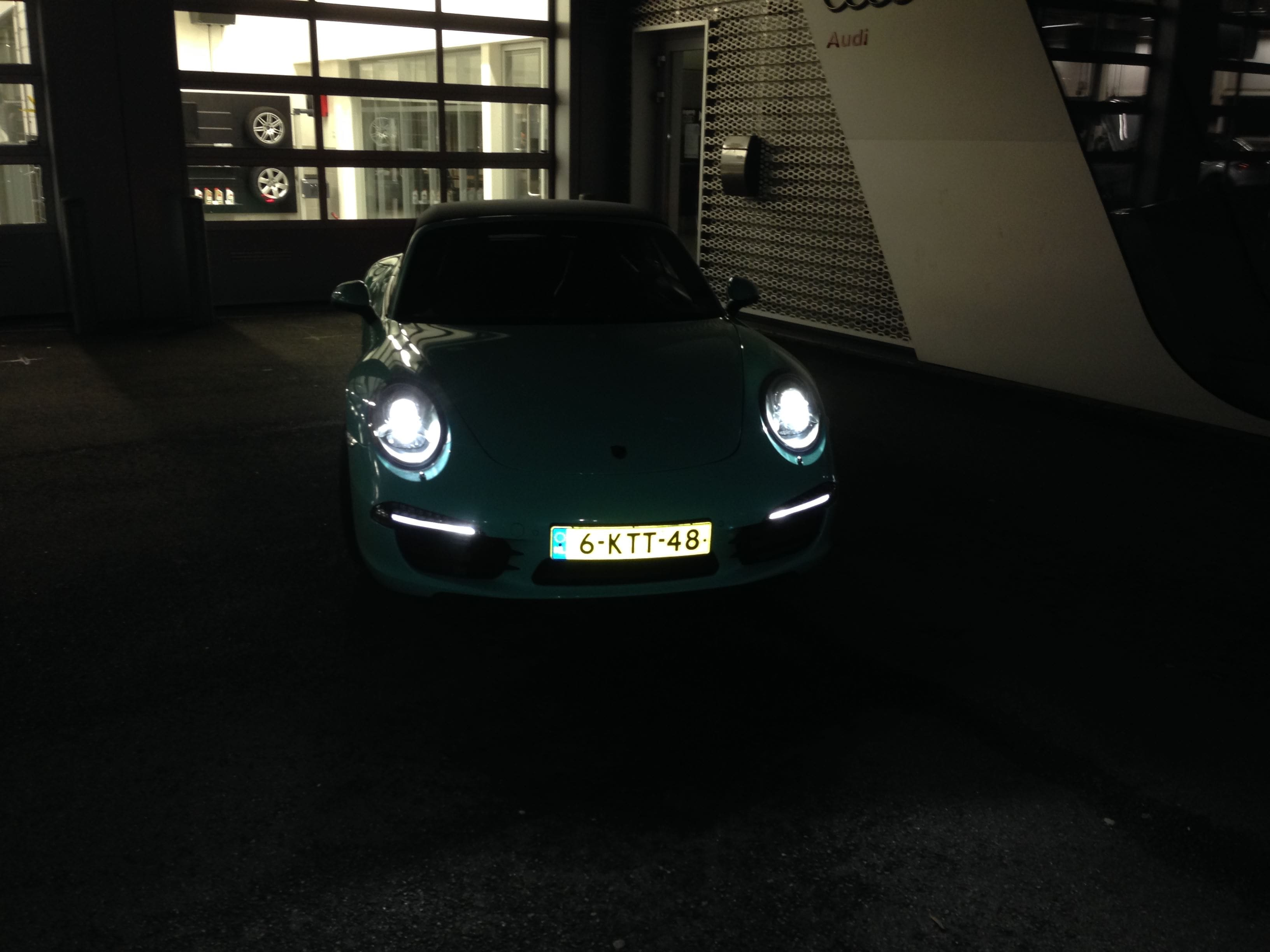Porsche Carrera Turbo S Cabrio met Mint Green Wrap, Carwrapping door Wrapmyride.nu Foto-nr:6745, ©2021
