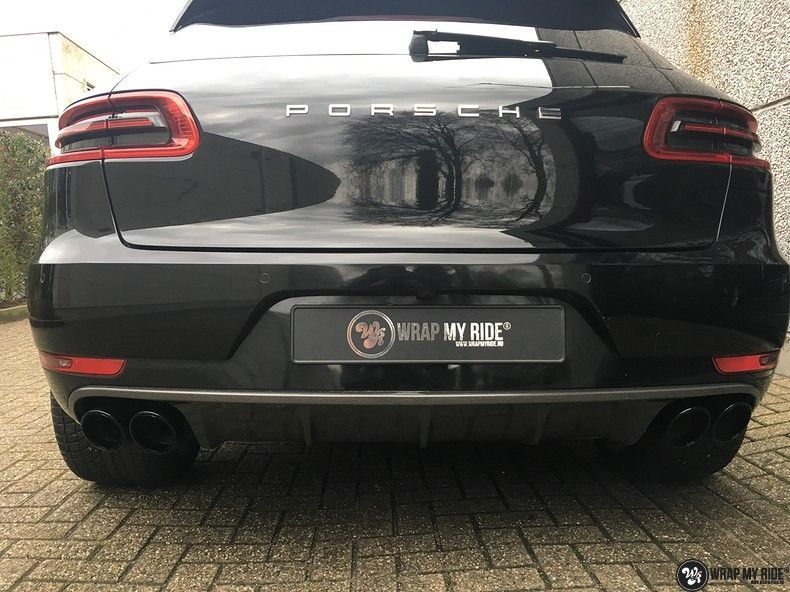 Porsche Macan Carbon accenten, Carwrapping door Wrapmyride.nu Foto-nr:10820, ©2019