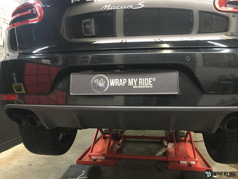 Porsche Macan Carbon accenten, Carwrapping door Wrapmyride.nu Foto-nr:10838, ©2019