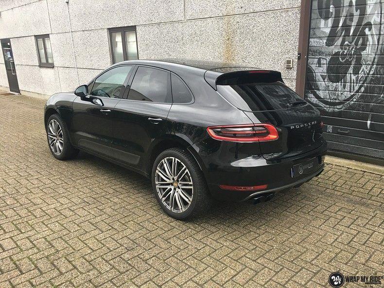 Porsche Macan Carbon accenten, Carwrapping door Wrapmyride.nu Foto-nr:10817, ©2019