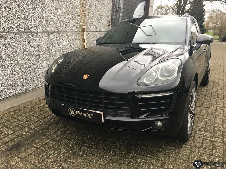 Porsche Macan Carbon accenten, Carwrapping door Wrapmyride.nu Foto-nr:10816, ©2019