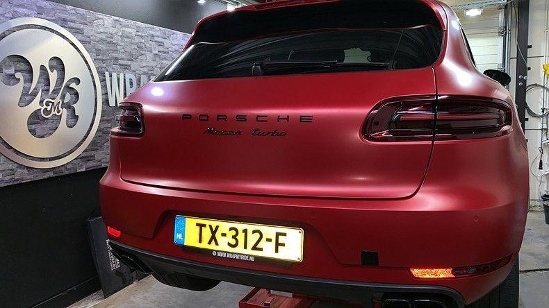 Porsche Macan Satin Vampire Red, Carwrapping door Wrapmyride.nu Foto-nr:12507, ©2019
