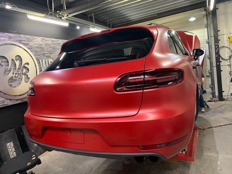 Porsche Macan Satin Vampire Red, Carwrapping door Wrapmyride.nu Foto-nr:12467, ©2019