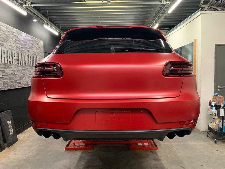 Porsche Macan Satin Vampire Red, Carwrapping door Wrapmyride.nu Foto-nr:12469, ©2019