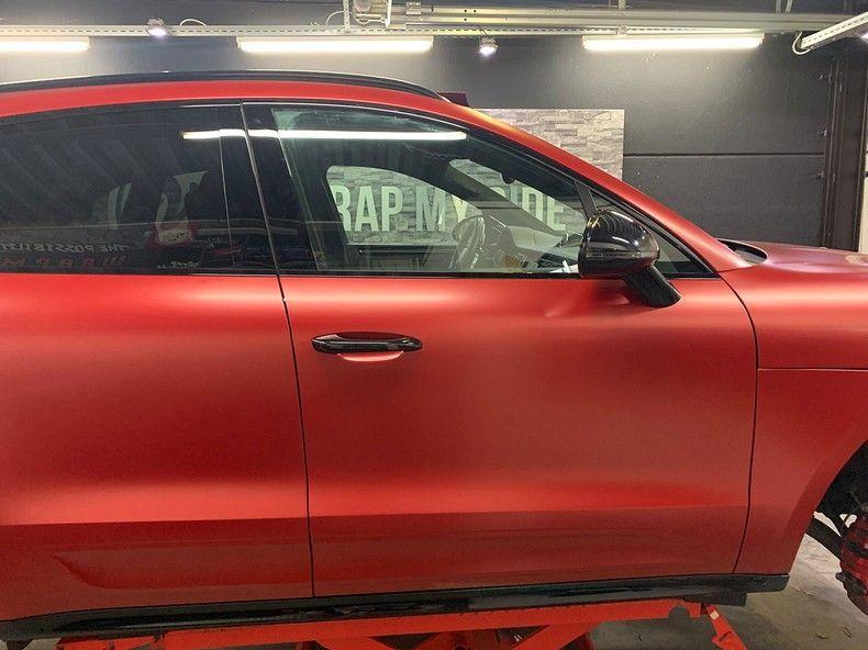 Porsche Macan Satin Vampire Red, Carwrapping door Wrapmyride.nu Foto-nr:12472, ©2019