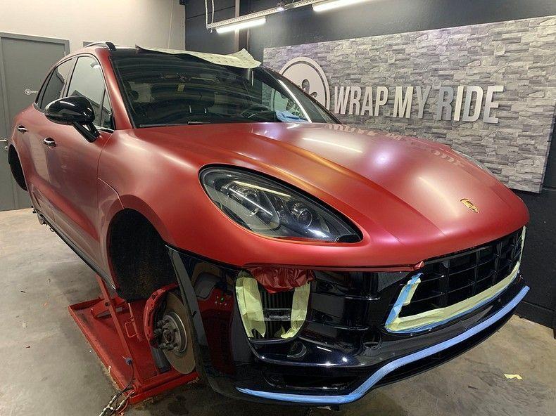 Porsche Macan Satin Vampire Red, Carwrapping door Wrapmyride.nu Foto-nr:12471, ©2019