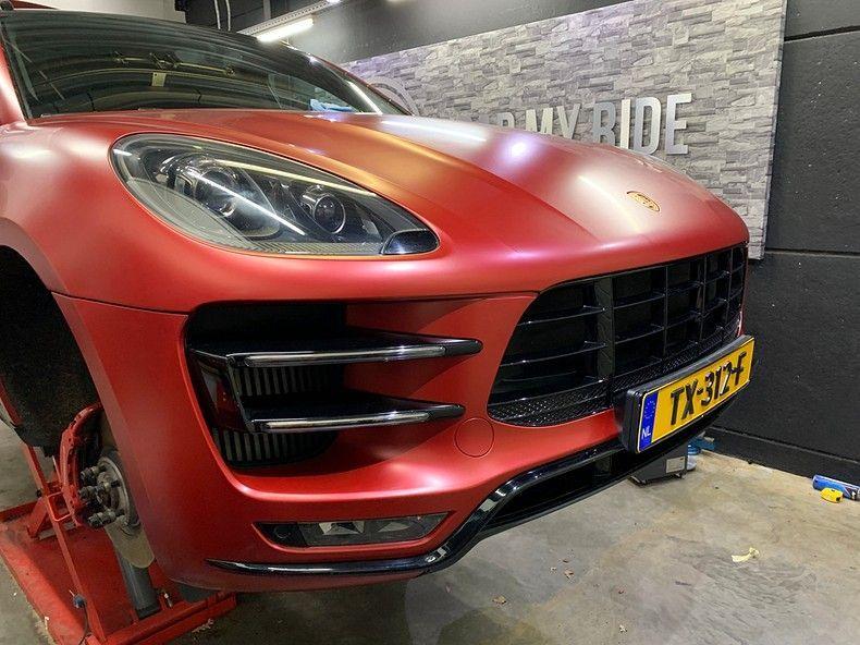 Porsche Macan Satin Vampire Red, Carwrapping door Wrapmyride.nu Foto-nr:12475, ©2019