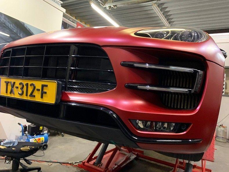 Porsche Macan Satin Vampire Red, Carwrapping door Wrapmyride.nu Foto-nr:12476, ©2019