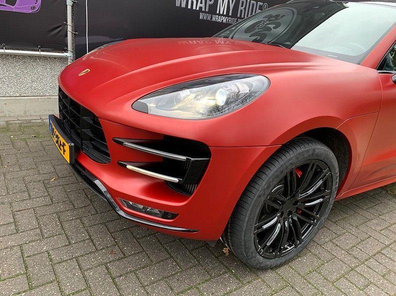 Porsche Macan Satin Vampire Red, Carwrapping door Wrapmyride.nu Foto-nr:12477, ©2019