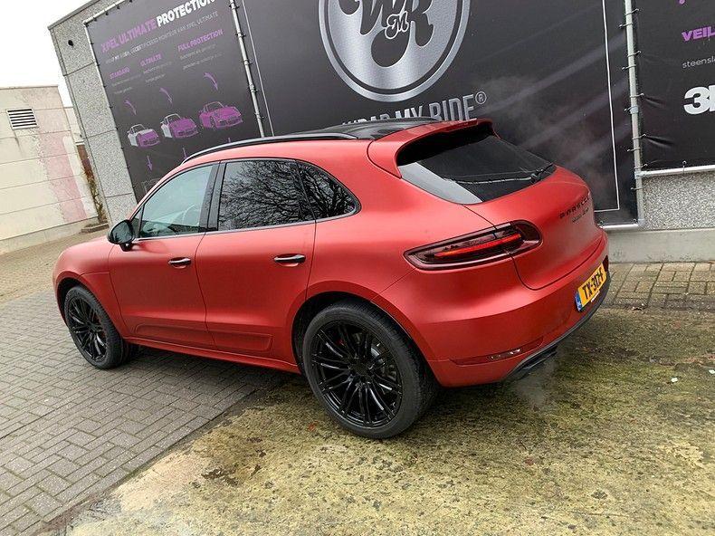 Porsche Macan Satin Vampire Red, Carwrapping door Wrapmyride.nu Foto-nr:12478, ©2019