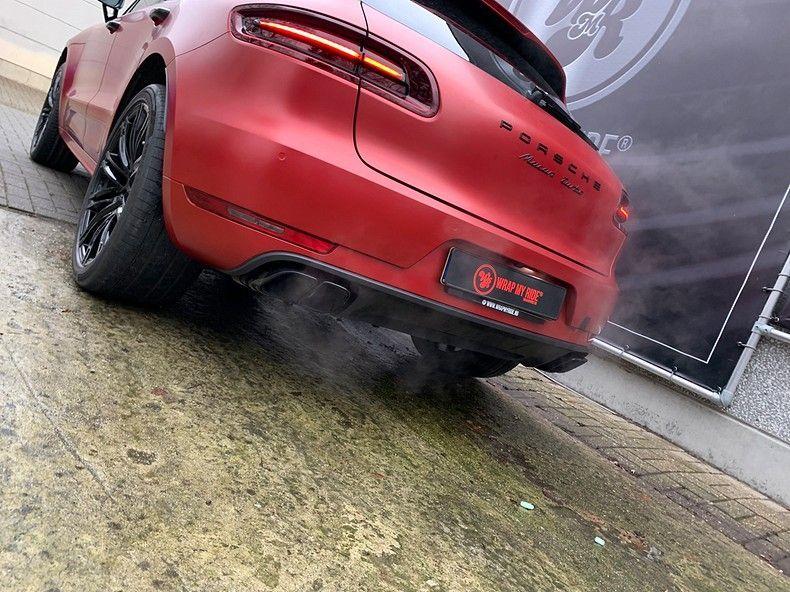 Porsche Macan Satin Vampire Red, Carwrapping door Wrapmyride.nu Foto-nr:12487, ©2019