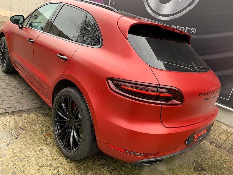 Porsche Macan Satin Vampire Red, Carwrapping door Wrapmyride.nu Foto-nr:12489, ©2019