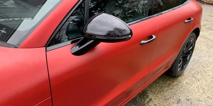 Porsche Macan Satin Vampire Red