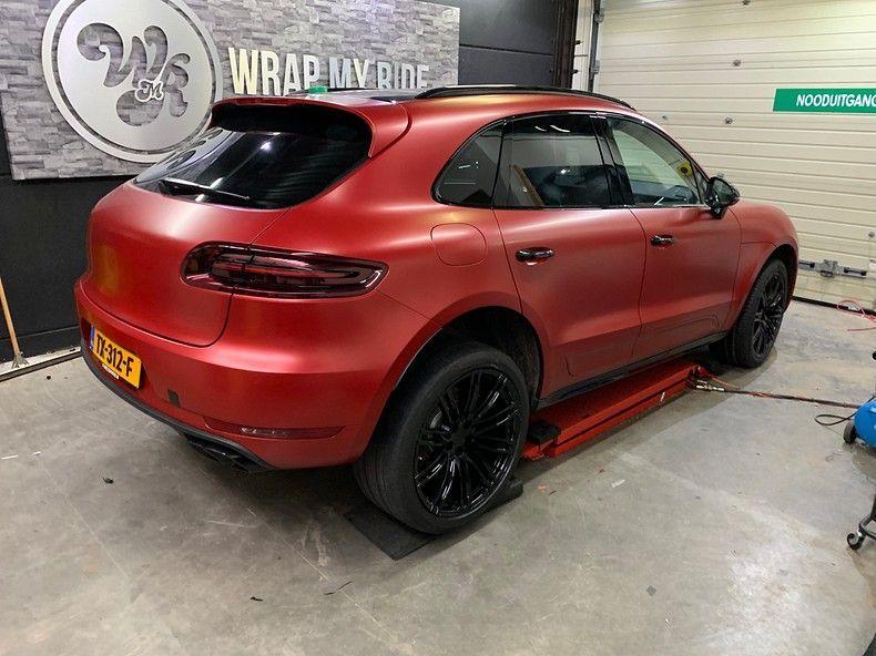 Porsche Macan Satin Vampire Red, Carwrapping door Wrapmyride.nu Foto-nr:12497, ©2019