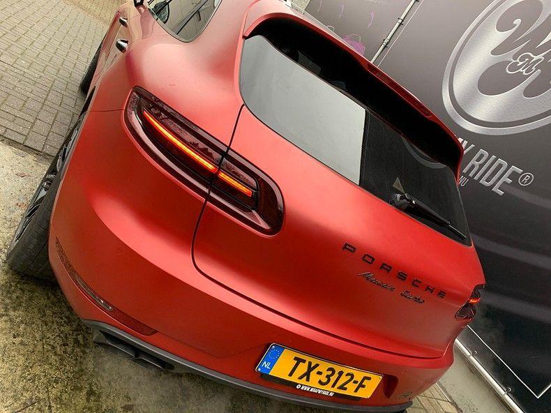 Porsche Macan Satin Vampire Red, Carwrapping door Wrapmyride.nu Foto-nr:12498, ©2019