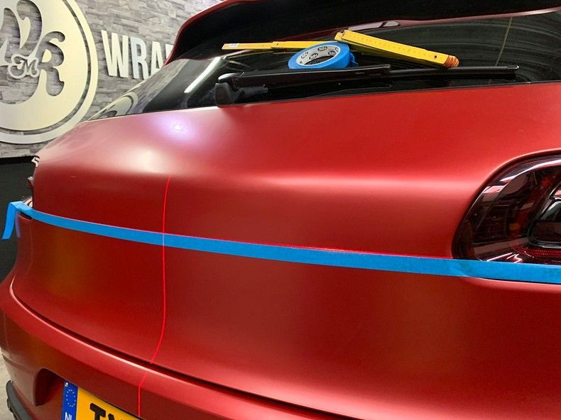 Porsche Macan Satin Vampire Red, Carwrapping door Wrapmyride.nu Foto-nr:12502, ©2019