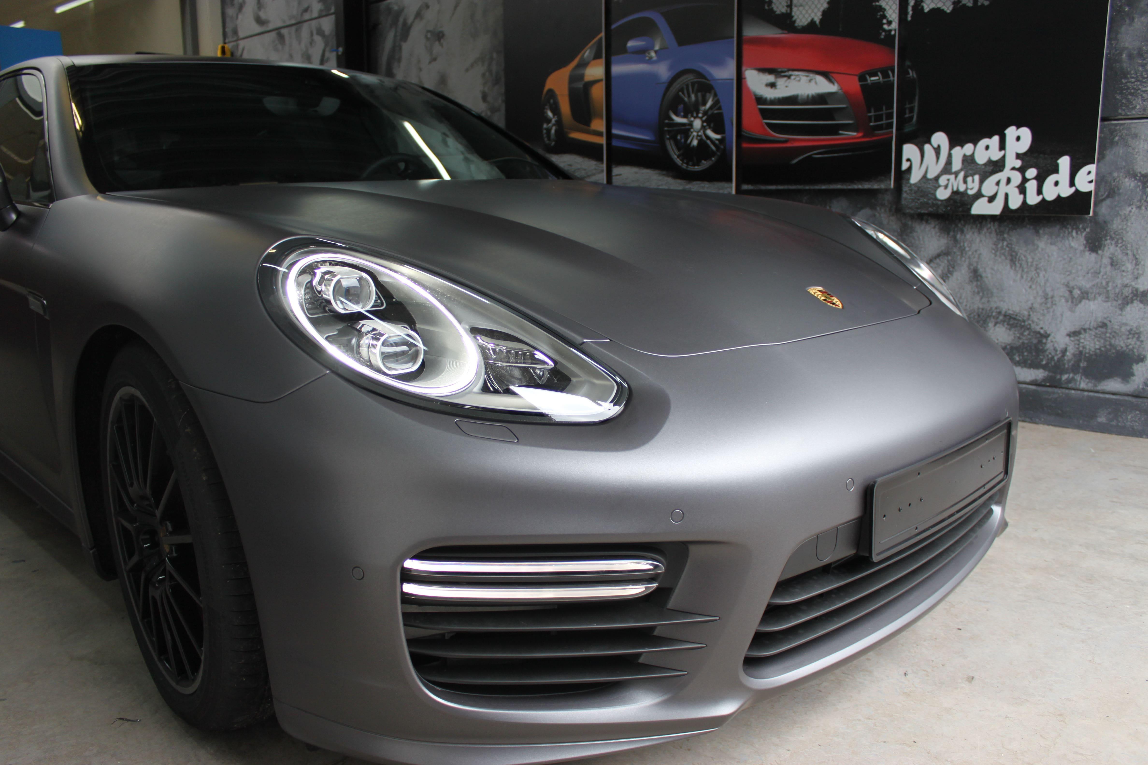 Porsche Panamera GTS Full Wrap in Gunpowder, Carwrapping door Wrapmyride.nu Foto-nr:7107, ©2021