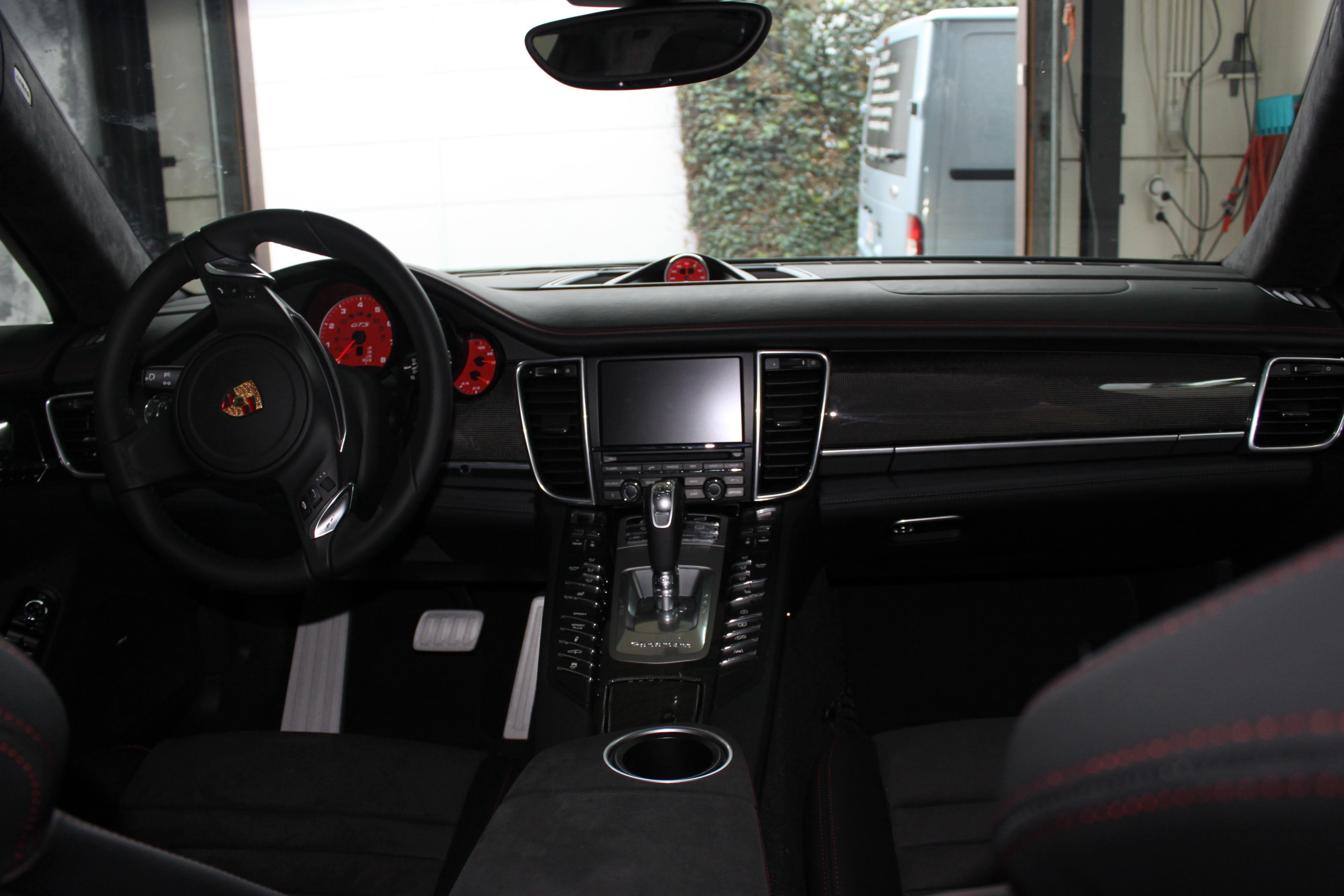 Porsche Panamera GTS Full Wrap in Gunpowder, Carwrapping door Wrapmyride.nu Foto-nr:7111, ©2021