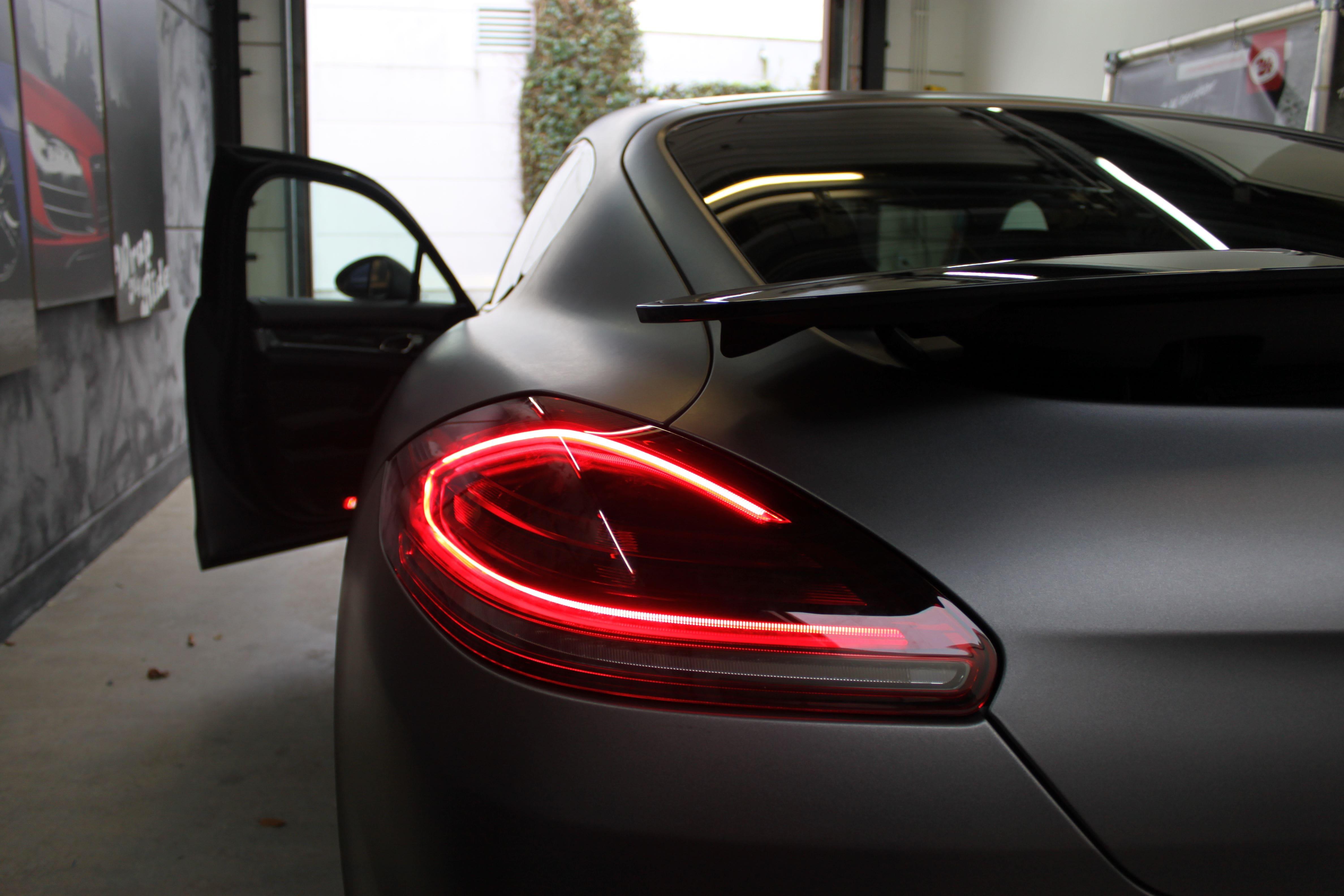 Porsche Panamera GTS Full Wrap in Gunpowder, Carwrapping door Wrapmyride.nu Foto-nr:7116, ©2021
