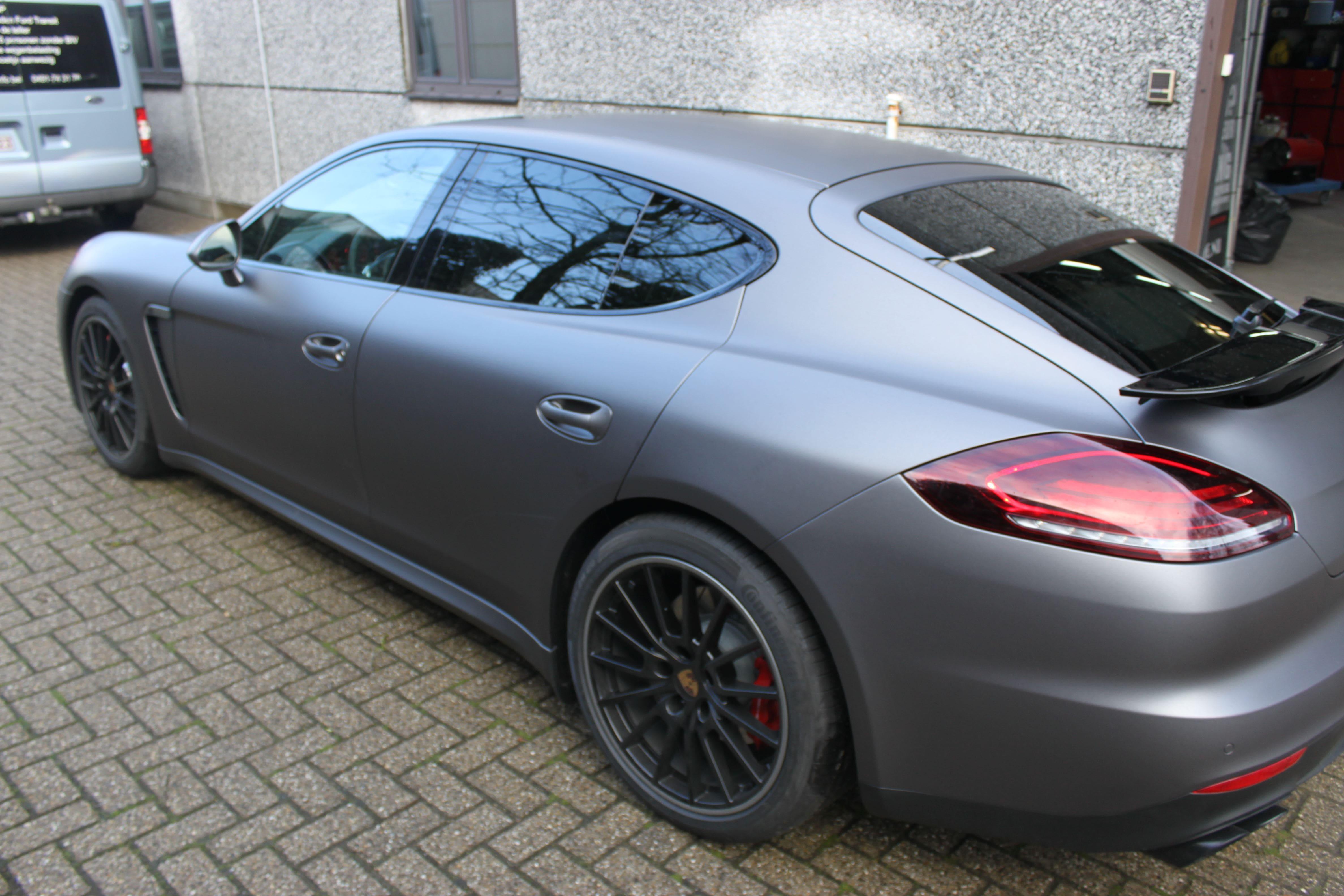Porsche Panamera GTS Full Wrap in Gunpowder, Carwrapping door Wrapmyride.nu Foto-nr:7122, ©2021
