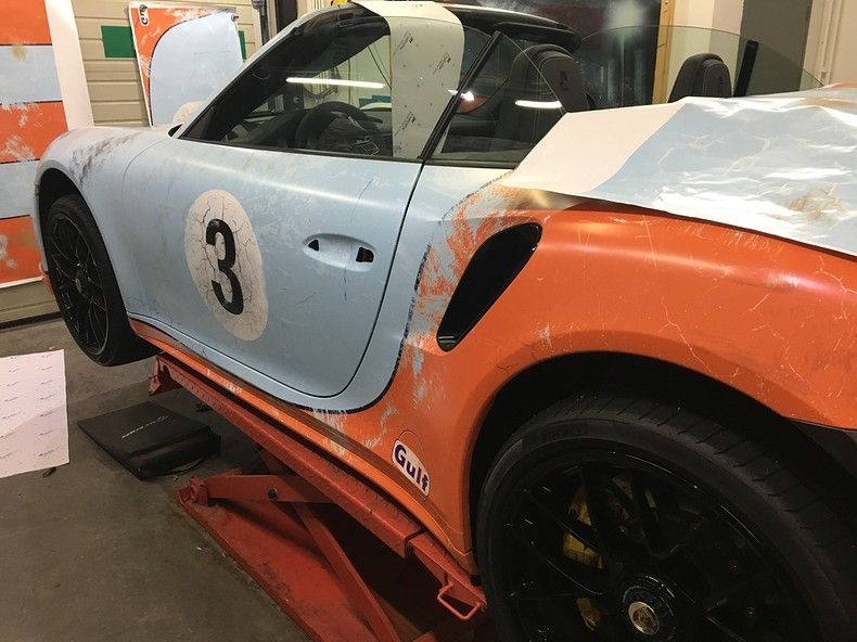 Porsche turbo S gulf weathered Livery, Carwrapping door Wrapmyride.nu Foto-nr:12157, ©2019