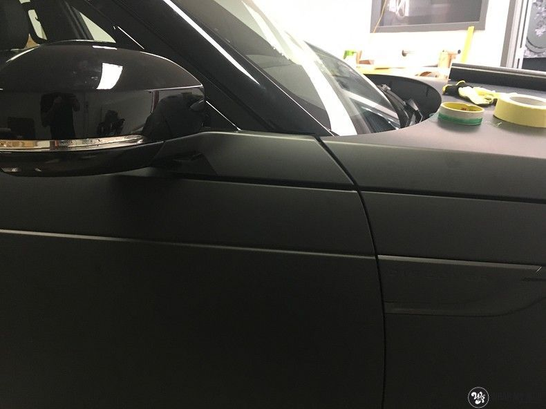 Range Rover Discovery 2018 Osaka, Carwrapping door Wrapmyride.nu Foto-nr:11410, ©2019