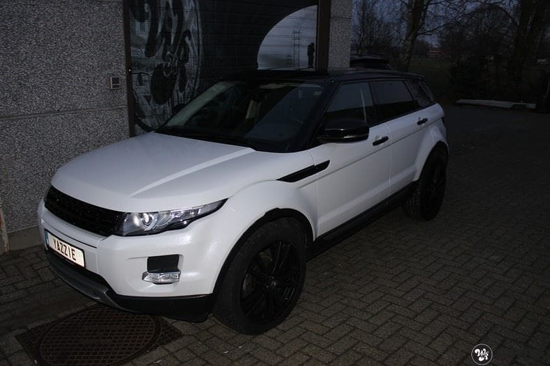 Range Rover Evoque Avery White Diamond, Carwrapping door Wrapmyride.nu Foto-nr:9818, ©2020